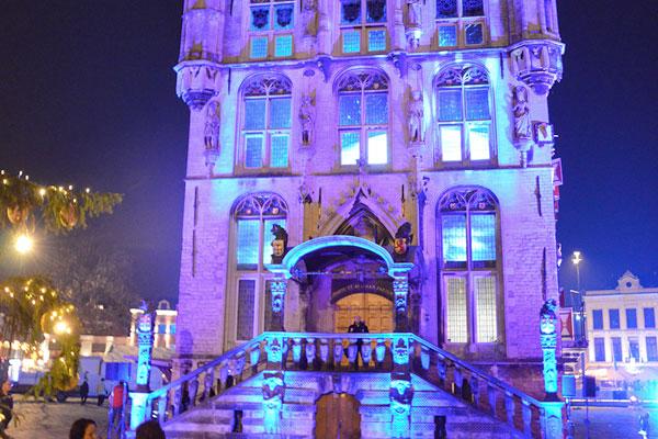aanlichten gebouwen klaproos geluid beeld licht